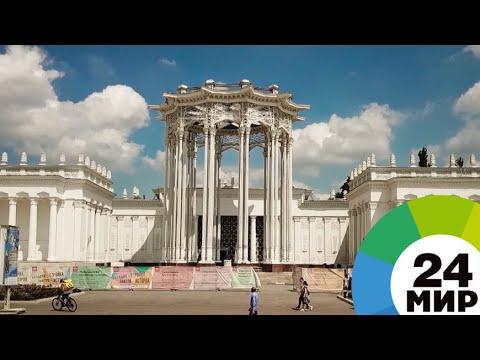 Абдулла Арипов впервые посетил павильон Узбекистана на ВДНХ