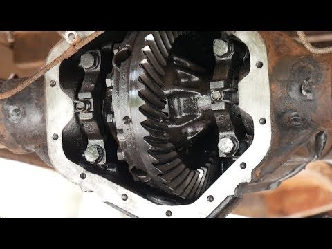 Tearing into the 1977 Chevy C20 Differential / Axle / Bearings