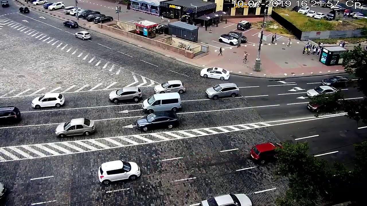 Смотреть вебкамеры евро майданов киева, русская девушка заставила парня отлизать ей до оргазма