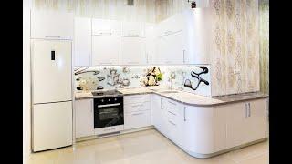 Кухня крем-брюле с радиусными фасадами