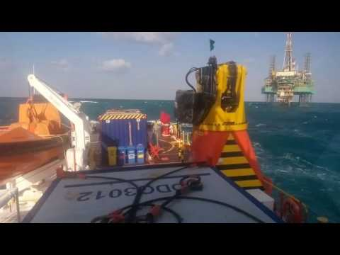 Offshore oilfield abudhabi roughsea 11ft
