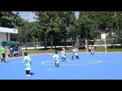 ส่งเด็กอนุบาล3ไปแข่งฟุตซอลกับพี่ประถม4