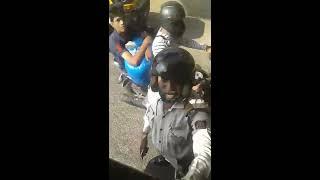 Mumbai police har kisi normal insaan ko deti hai galiya
