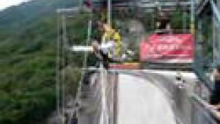 James Bond 007 Bungee Jump 220m Valle Verzasca Switserland!