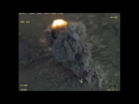 Russian jets 'destroy ISIL column' in Syria