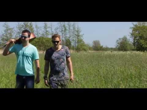 De Doelleazen - Praat Frysk Mei My (Official Video)