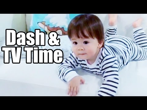Baby Dash And TV Time (1yr 7m)
