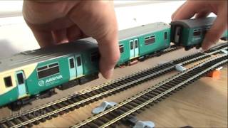 Repeat youtube video Opening the Class 150 from Bachmann (Part 2)