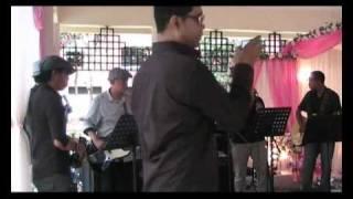 Download Video RW - Hanya Ingin Kau Tahu (REPUBLIK) cover 2011 MP3 3GP MP4