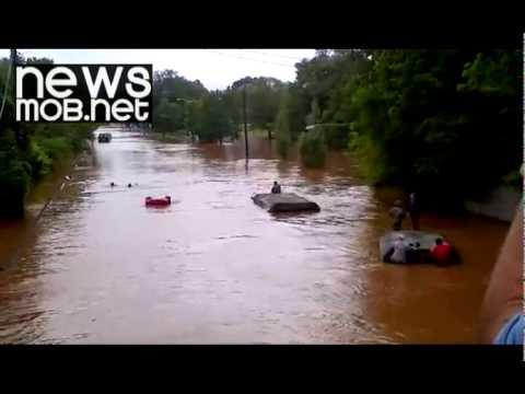 Hurricane Irene - Truck drives underwater