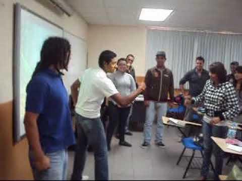 Din mica en clase youtube for Actividades divertidas para el salon de clases