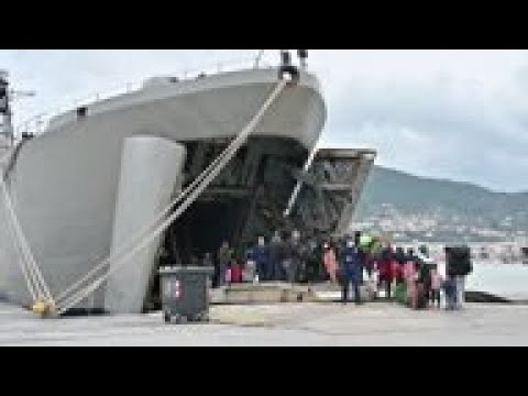 Greece moves migrants to navy vessel off Lesbos