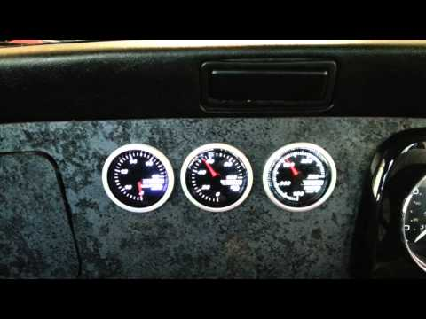 Innovate G3 gauges in my Classic Mini
