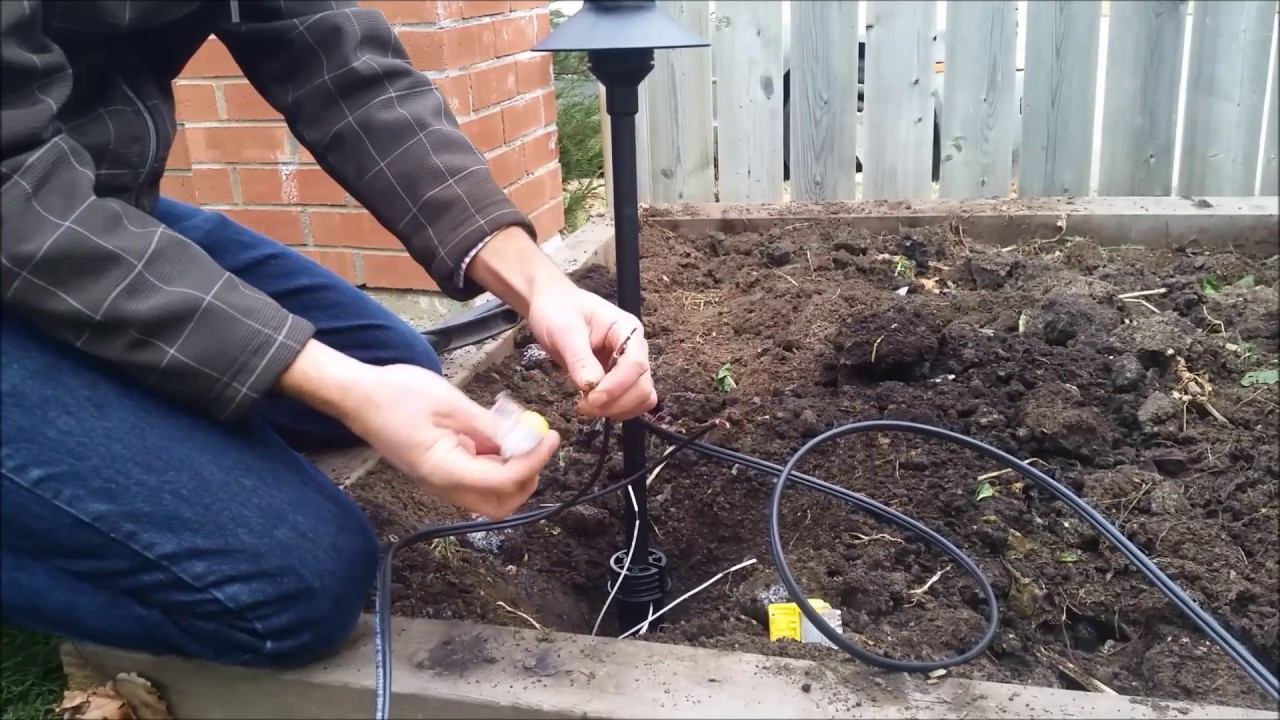 connecting landscape lighting wire