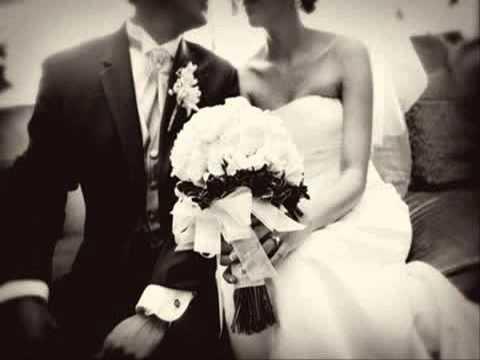 ชุดเจ้าสาวแบบไทย แต่งงานบ้านเรือนไทย