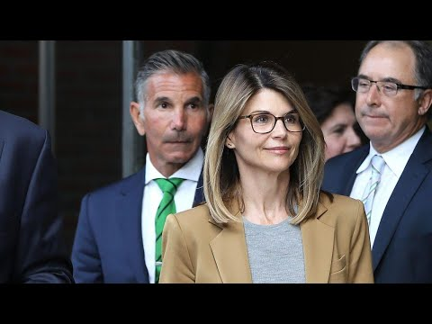 Here's What's Happening in the Lori Loughlin College Scandal thumbnail