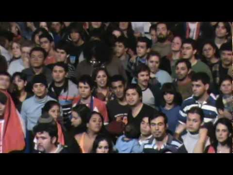 Paraguay: Protesta contra golpe de estado parlamentario frente a la TV Pública.