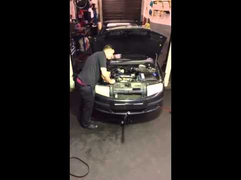 How To Change A Water Pump >> Skoda cambelt change, waterpump replacement, full service and brake fluid service in time-lapse ...