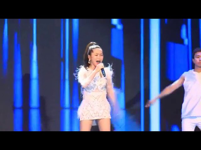 HƯƠNG TRÀM   Em gái mưa - Lễ hội thời trang Canifa 8 7 2018