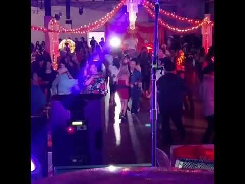 DJ cotorra en una quinceanera en el 54 west