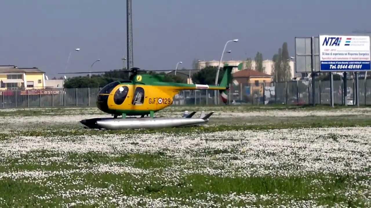 Elicottero 500 : Atterraggio elicottero nh guardia di finanza youtube
