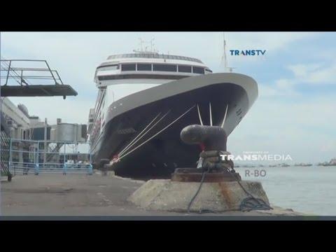Kapal Pesiar Super Mahal MS Volendam Singgah di Tanjung Perak, Surabaya