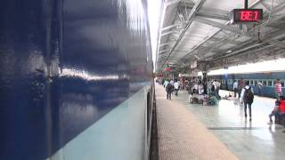 18237 BILASPUR Jn-AMRITSAR Jn CHHATTISGARH Express departing from PF-4 of BILASPUR Jn!