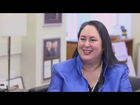 Dean Stavridis Interview: Elizabeth Vazquez (F96), 2018 Fletcher Women's Leadership Award Winner