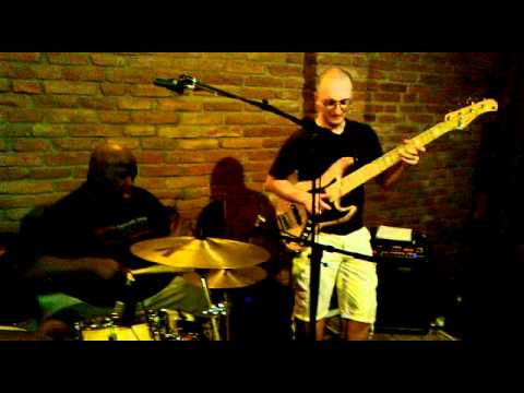 Terrence Williams feat.Roman Meciar CO:drum,bass & sax.mp4