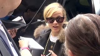 Reese Witherspoon Scolds Autograph Hound At LAX