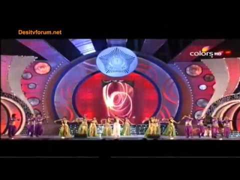 Mallika Sherawat Dance Performance On Jalebi Bai !! Umang Awads (2012)