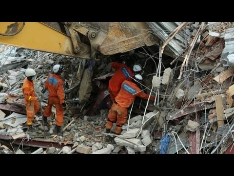 Rescuers at work as Cambodia building collapse toll rises to 17 | AFP