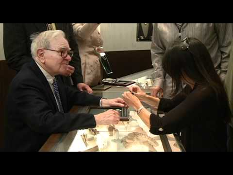 Warren Buffett Sells Diamonds at Borsheims