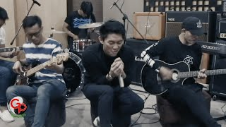 (EXCLUSIVE) Seventeen - Kemarin | LIVE Session