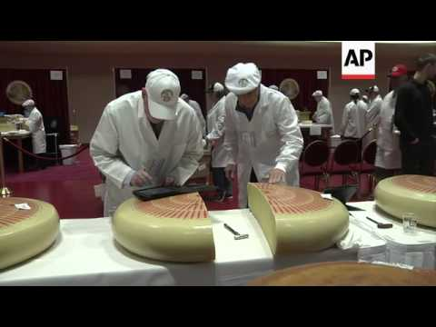 Swiss emmentaler wins top cheese in US competition