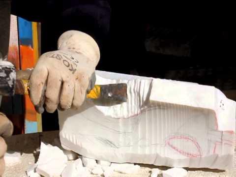 Esecuzione scultura in marmo di carrara bianco di vincenzo for Marmo di carrara prezzo