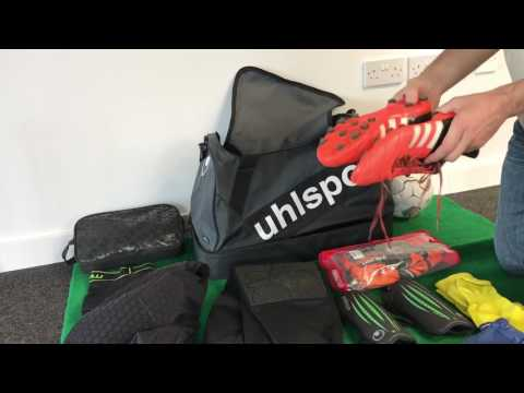 What's in my Goalie Kit Bag? This is the Holdall I use for football matches