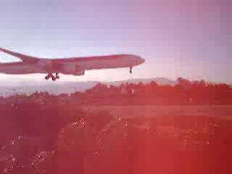 iberia a340-600 landing in guatemala airport la aurora
