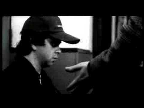 [Short Film] 7:35 in the Morning (Nacho Vigalondo, 2003)