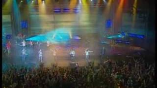 Hillsong Kiev - Изнутри (From the inside out)(Video from Hillsong Kiev. Song: Изнутри (From the inside out) Album: Алтарь (Altar) - 2008 LYRICS (in russian) [1 куплет] Пусть падал тысячу раз Со..., 2009-02-13T23:23:02.000Z)