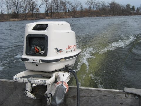 1958 johnson 10hp outboard motor doovi for 10 hp boat motors