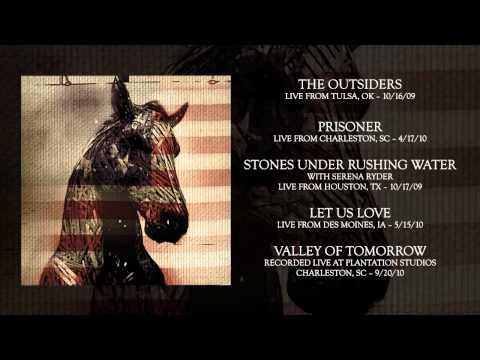 """NEEDTOBREATHE - """"Valley of Tomorrow"""" (Live At Plantation Studios)"""
