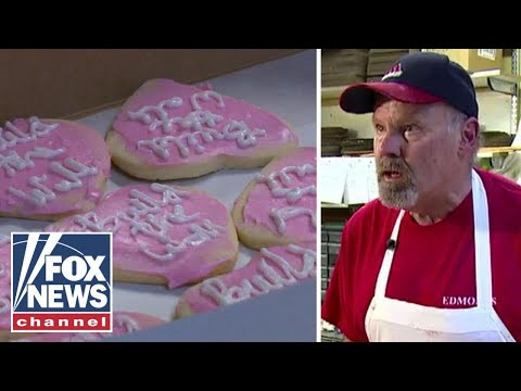 Baker not sorry for 'Build the Wall' cookies
