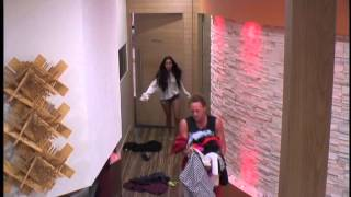 Big Brother AU 2013: Live Feed: Tim and Boog clothes war!