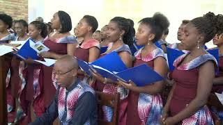 Ku vyiza vy' urukundo by Chorale de Kigali