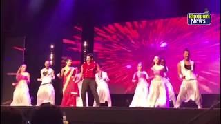 पवन सिंह और अक्षरा सिंह ने लगाया जबरदस्त ठुमका  IBFA Award 2017 के मंच  पर