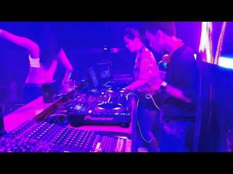 DJ Hùng Teddy In Hoàng Gia Club