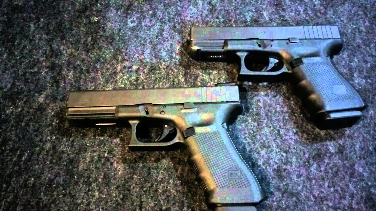 Glock 17 vs Glock 19 - YouTube