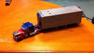 Transformers DOTM Ultimate Optimus Prime transformation