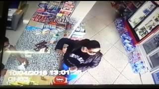 ◄ شاهد  رد فعل صاحب «سوبر ماركت» مع امرأة ضبطها تسرق: «طلعي اللي في جيبك» - المصري لايت